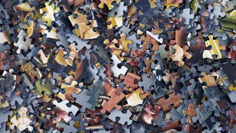 Die fynup Recherche setzt ein kompliziertes Puzzle zusammen